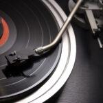 中国音乐平台的韭菜,都被谁割了?